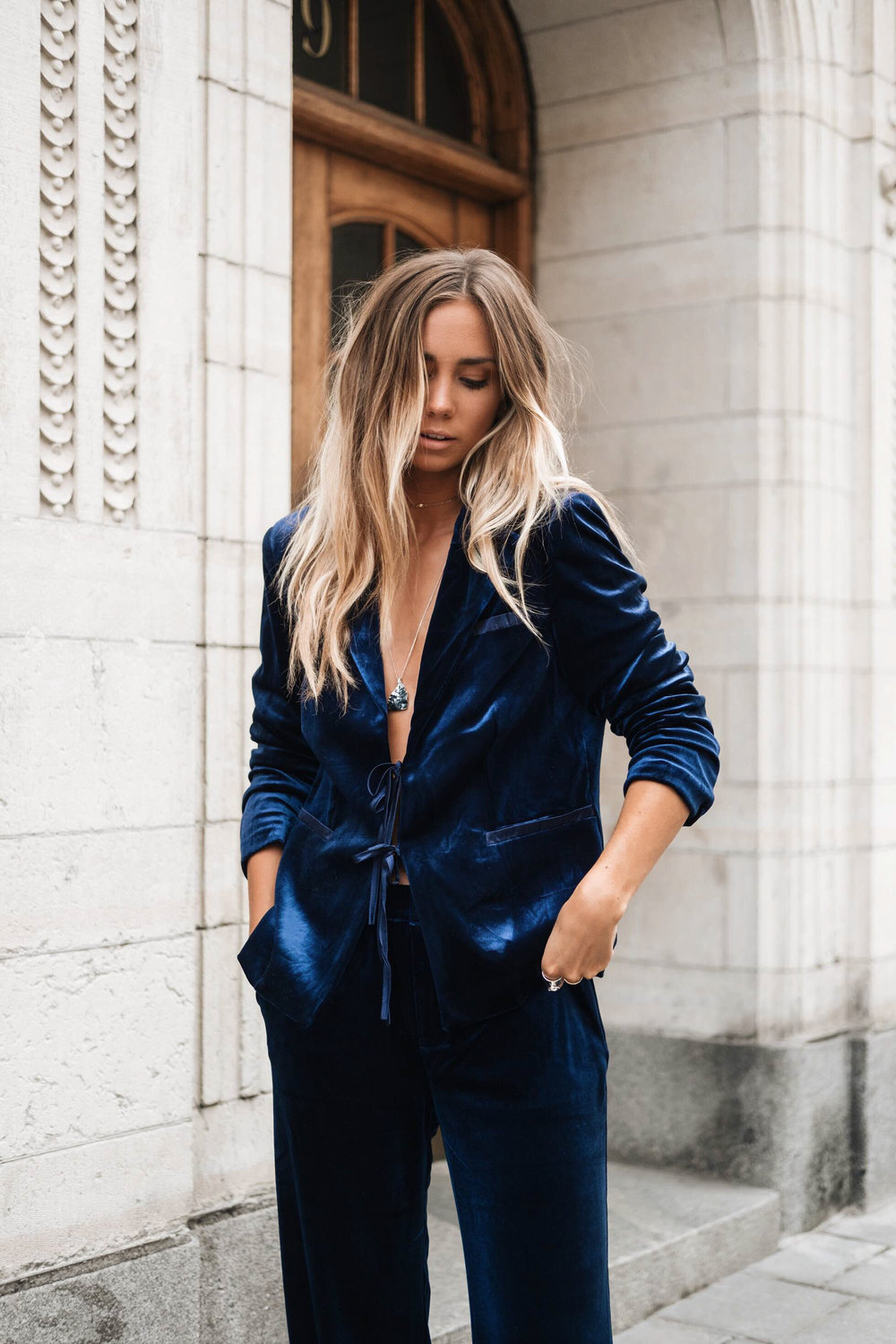 Velvet can have a more casual, almost boho look depending on what you decide to style it with.  (Photo: Lisaplace)