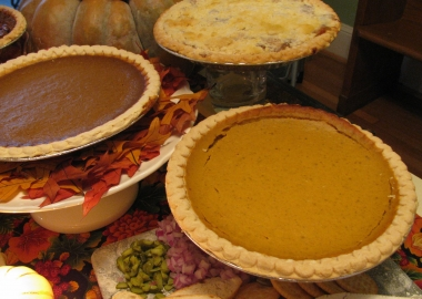 Food & Friends is selling Thanksgiing pies that will help feed people with HIV/AIDS, cancer and other illnesses for a day. (Photo: Food & Friends)