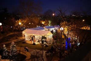The Rosslyn Holiday Market Festival features more than 25 local vendors, a bonfire, music and more. (Photo: Rosslyn Business Improvement District)