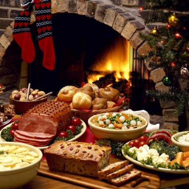Area restairamts are offering special Christmas Eve and Christmas Day dinners so you can spend less time in the kitcen and more time shopping or with family. (Photo: clipartsgram.com)