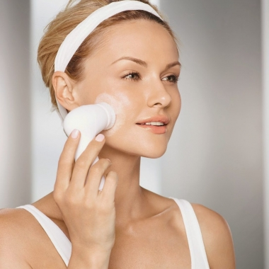 You can get a microdermabrasion facial at home using Mary Kay's TimeWise Microdermabrasion Plus Set and Skinvigorate Cleansing Brush. (Photo: Mary Kay)