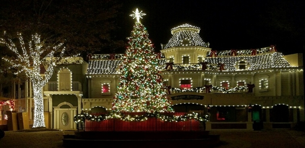 Six Flags American is decorated with millions of lights for Christmas and is open weekends through Jan. 2. (Photo: Six Flags America)
