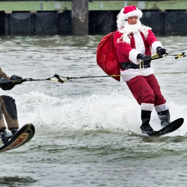 Santa and one of his reindeer waterski in the Potomac River in Alexandria. (Photo: Getty Images)