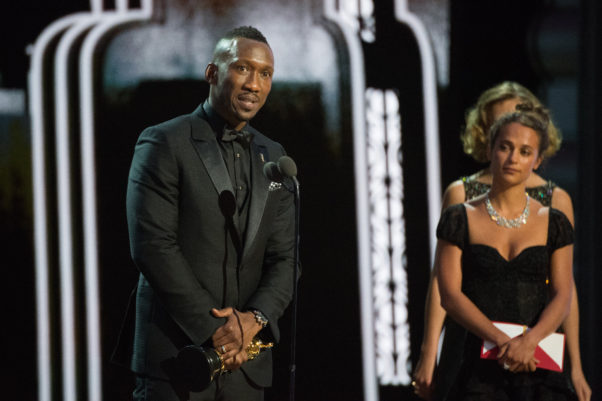 Mahershala Ali accepts the Oscar for Performance by an actor in a supporting role, for his performance in <em>Moonlight</em>. (Photo: Phil McCarten/A.M.P.A.S.)