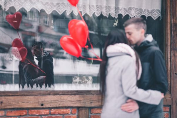 Singles in D.C. have a better chance of finding a date than most other states including Virginia and Maryland. (Photo: Pexels)