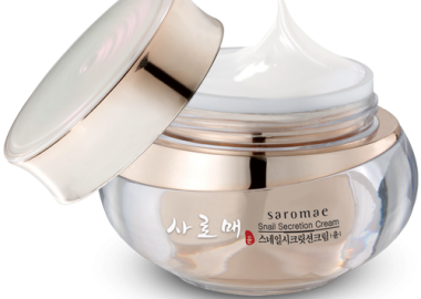 SMD Cosmetics' Saraome Snail Secretion Serum goes on light and fast, but is very slimey inside its container. (Photo: SMD Cosmetics)
