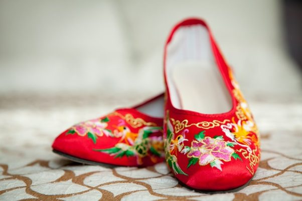 This spring and summer, you can choose from comfortable, masculine style shoes or go ultra-girly with pastel pinks, embroidered pumps and retro pieces. (Photo: cbiusa/Pixabay)