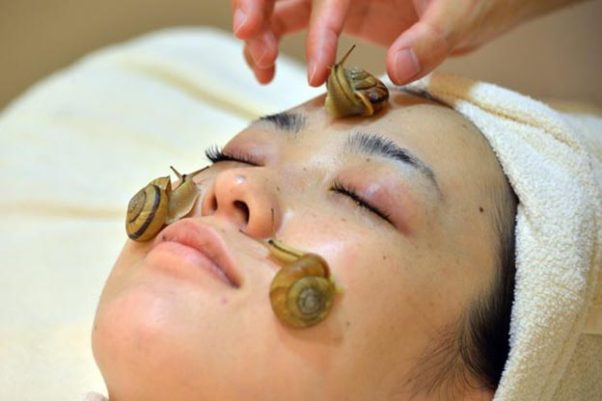 You don't have to travel to Japan to get a snail facial, just try SMD Cosmetics's Saraome Snail Secretion Serum. (Photo: MBC.net)