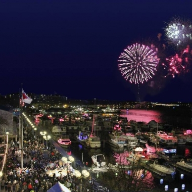 Fireworks will fill the sky during the Southwest Waterfront Fireworks Festival. on Saturday. (Photo: National Cherry Blossom Festival)