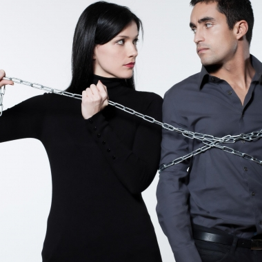 Being possessive is not cute, it is controlling. (Photo: 123rf)