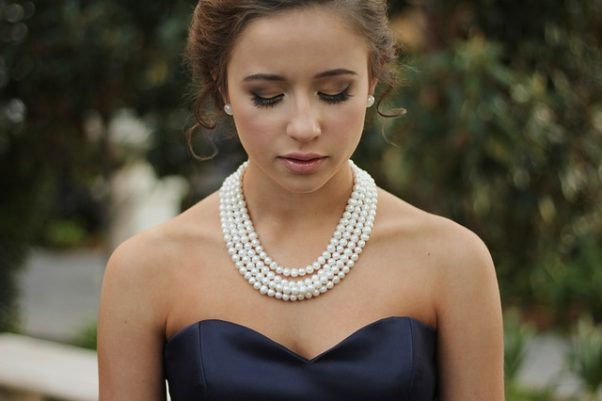Pearls are a popular accessory in Singapore now. (Photo: Pixabay)
