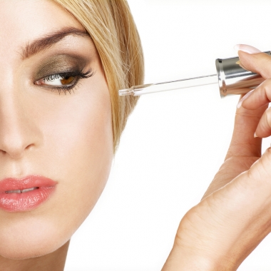 The V11 Total Care Serum makes your pores invisible. (Photo: ipag/Thinkstock)