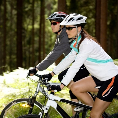 Cycling provides many health benefits including cardiovascular conditioning. (Photo: Thinkstock)