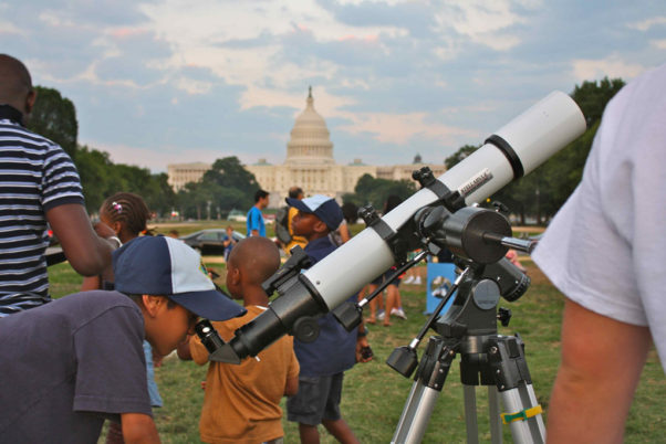 The National Mall becomes a planetarium Friday with an astronomy festival. (Photo: Don Lubowich)