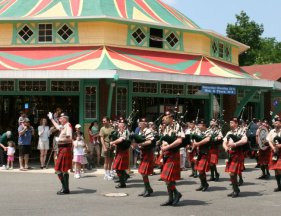 The Washington Folk Festival comes to Glen Echo Park from noon-7 p.m. Saturday and Sunday. (Photo: Folklore Society of Greater Washington)