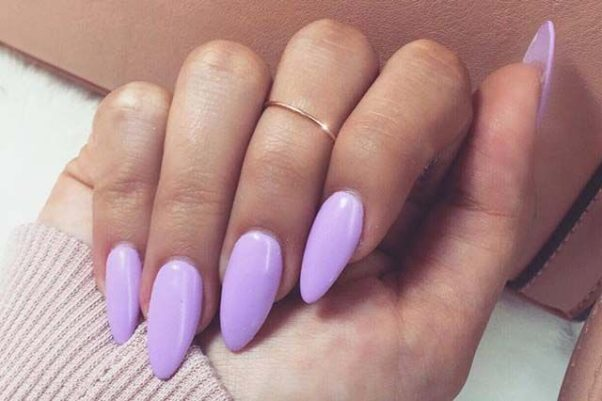Almond shaped nails are one of the hottest manicure trends for 2017. (Photo: _linadoll/Instagram)