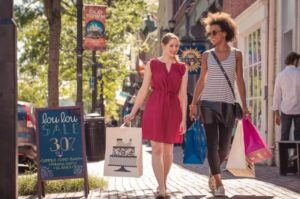 More than 50 shops in the Old Town and Del Rey sections of Alexandria will offer sidewalk sale specials this weekend. (Photo: K. Summerer/Visit Alexandria)
