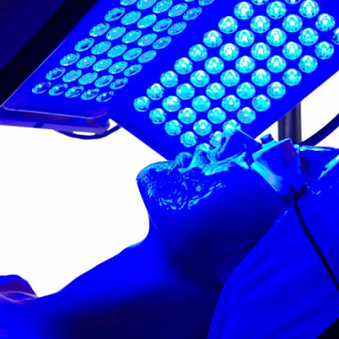 Light therapy can be done at a dermatologist's office, spa, or in your own home. (Photo: lighttherapydevice.com)