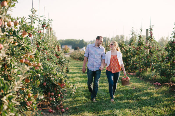 Apple picking is the perfect fall date this season. (Photo: Candace Prokopets/Pictilio)