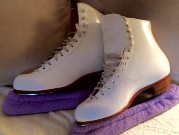 Skates should be stored in blade soakers to keep the blades dry and to keep them from cutting cutting your bag or nicking each other. (Photo: Jean Gossman/DC on Heels)