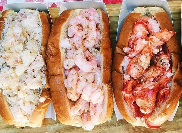 Luke's Lobster will bring its crab, shrimp and lobster rolls (l to r) to Farragut Square starting Friday. (Photo: torenw/Instagram)