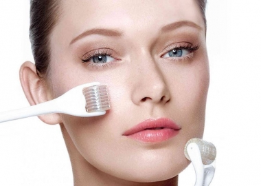 You can do microneedling at home and make it part of your nightly routine. (Photo: ClinicDermal.nl)