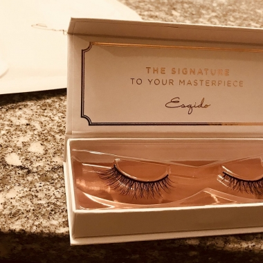 Esquido Lashes are made from mink hairs. (Photo: Emma Blancovich/DC on Heels)