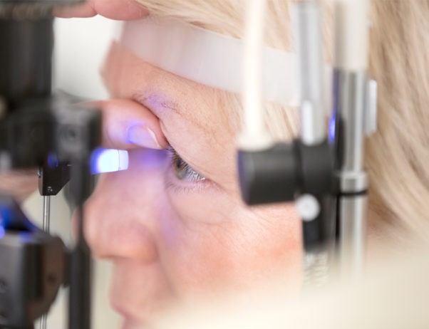 Macular degeneration can only be diagnosed with a dilated eye examination. (Photo: zoran/Getty Images)