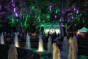 Crystal City's Fridays at the Fountain includes listening to local bands, sipping beer and wine, or purchasing dinner from food trucks and restaurants every Fridays from 5-9 p.m. through Oct. 19. (Photo: Crystal City BID)