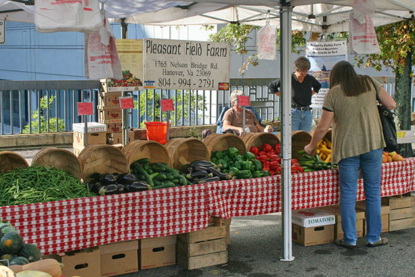Community Foodworks Arlington Farmers Market is open from 8 a.m.-noon Saturdays year round at 1401 N. Courthouse Road, Arlington, year round. (Photo: cliff1066/Wikimedia Commons)