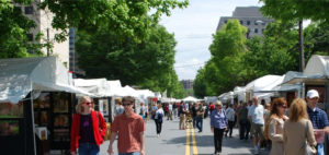 Shoppers at the Bethesda Fine Arts Festival browse artists' booths. (Photo: Bethesda Urban Partnership)