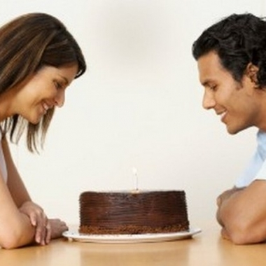 If your partner has a sweet tooth, surprise them with baked goods on their special day. (Photo: Getty Images)