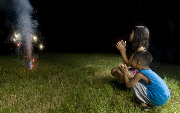 If you do use fireworks at home, children should always be supervised. Even when using sparklers. (Photo: Thinkstock)