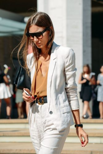Choose a lighter fabric such as linen or cotton for a summer blazer. (Photo: Pinterest)