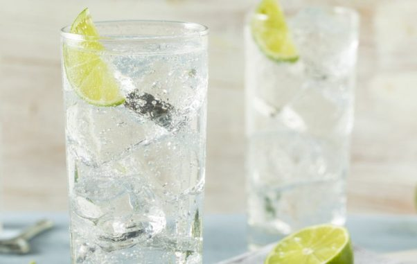 Sparkling water or still are both good choices for your health. It is just a matter of preference. (Photo: Thinkstock)