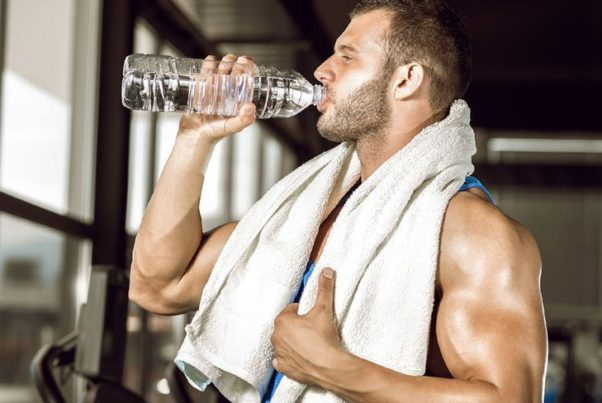 While exercising, you only need 4 to 6 ounces every 20 minutes, not gallons. (Photo: Shutterstock)