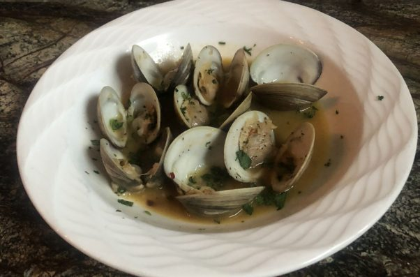 A bowl of steamed clams. (Photo: Slate Wine Bar + Bistro)
