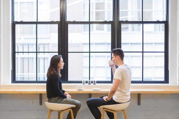 Man and woman having coffee. (Photo: StockSnap/Pixabay)