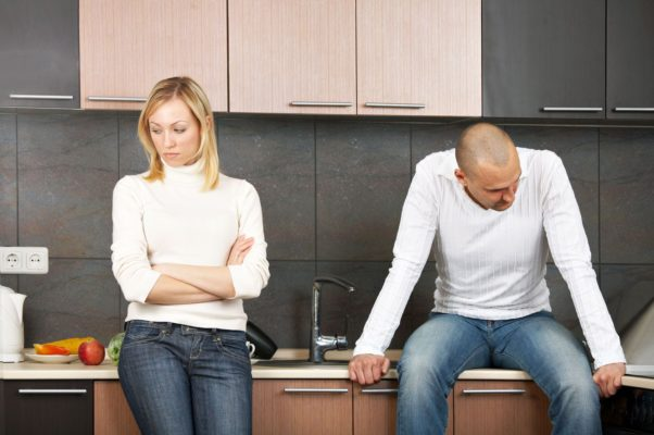 A couple quarreling in the kitchen. (Photo: Shutterstock)