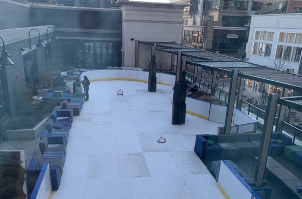 Photo of the empty ice rink on top of the hotel. (Photo: Canopy by Hilton)