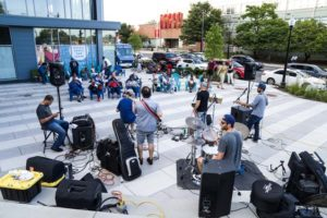 People watching a band perform at Fridays at Fort Totten. (Photo: Mike Kim/On Tap)