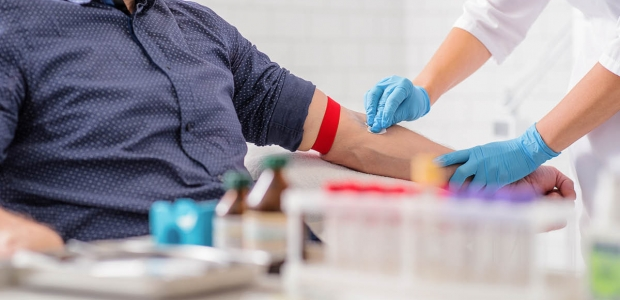 Someone having blood drawn fromtheir arm. (Photo: Getty Images)