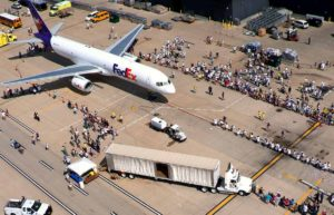 A team of 25 people pull a FedEx Airbus A-230. (Photo: Special Olympics Virginia)