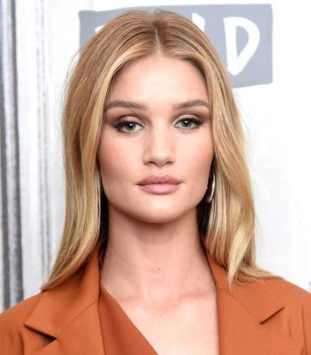 Model Rosie Huntington-Whiteley with gossamer blonde hair. (Photo: Getty Images)
