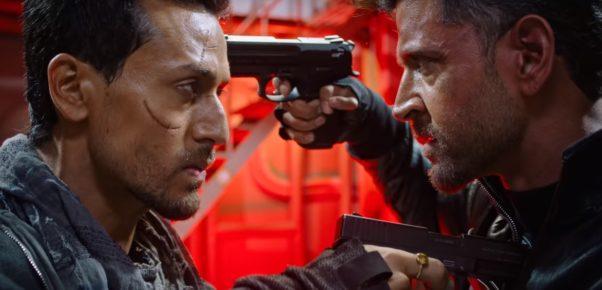 "Hrithik Roshan and Tiger Shroff hold guns on each other in ""War."" (Photo: Yash Raj Films)"
