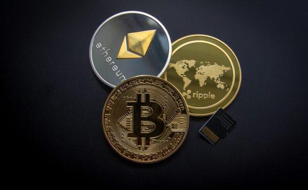 A Bitcoin, a Ripple and an  Etherum. (Photo: World Sprectrum/Pexels)
