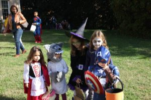 Kids dressed in costumes at Tudor Place. (Photo: Tudor Place)