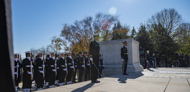 Members of the Armed Forces particiapte in an Armed Forces Full Honors Wreath-Laying Ceremony the Tomb of the Unknown Soldier. (Photo: Elizabeth Fraser/Arlington National Cemetery)
