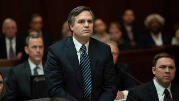 Robe4t Billott (Mark Ruffalo) stand in a courtroom. (Photo: Focus Features)