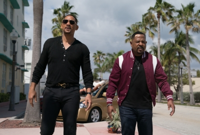Mike (Will Smith, left) and Marcus (Martin Lawrence) on the streets of Miami. (Photo: Sony Pictures)